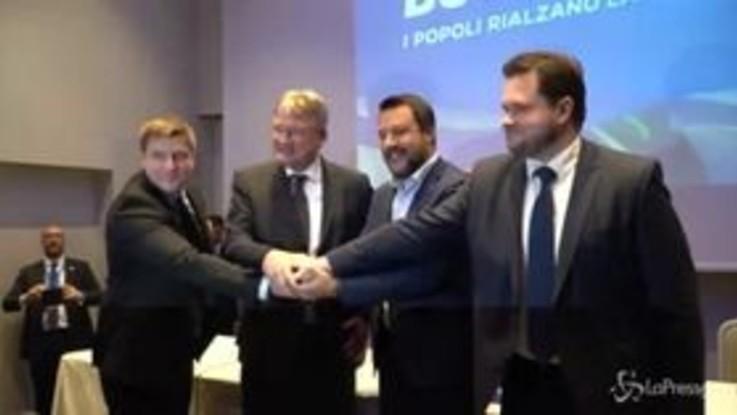 """Salvini incontra alleati europei: """"La nostra Ue soccorrerebbe nei mari riaccompagnando tutti a casa"""""""