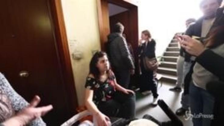 Proteste a Casal Bruciato: mamma occupa casa assegnata a famiglia rom