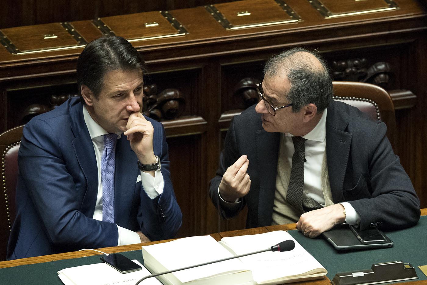 """Def, ok dal Cdm: Pil allo 0,2% nel 2019 e flat tax per ceto medio. Palazzo Chigi: """"No manovre correttive e nuove tasse"""""""