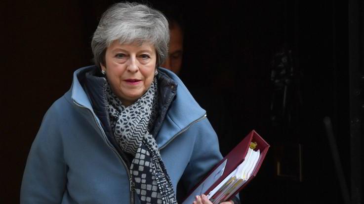 Brexit, oggi il vertice Ue. Incontro Merkel-Macron per trovare un compromesso sul rinvio