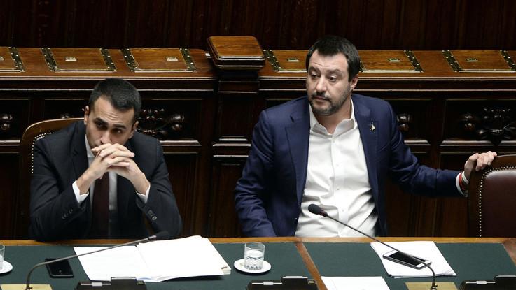 """Flat tax, Salvini e Di Maio: """"Si farà senza aumentare l'iva"""""""