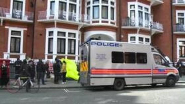 Arrestato a Londra Julian Assange