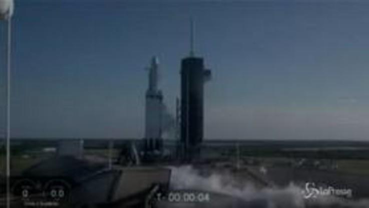 SpaceX, effettuato il primo lancio commerciale di Falcon Heavy