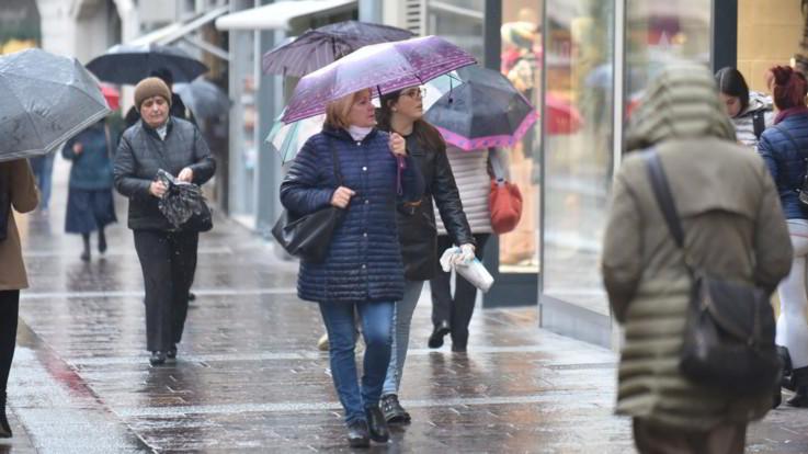 Piogge e cielo coperto in tutta Italia: il meteo del 12 e 13 aprile