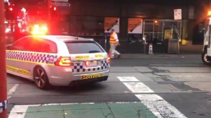 Melbourne, sparatoria davanti a un night club. Ferite cinque persone