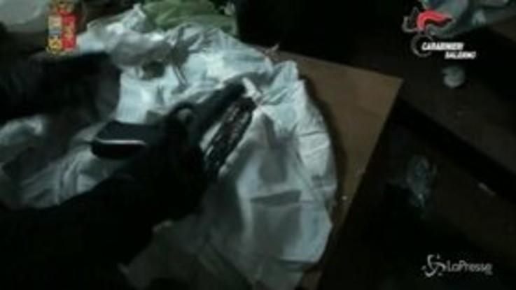 Maxi operazione a Salerno: il video del ritrovamento di armi e droga