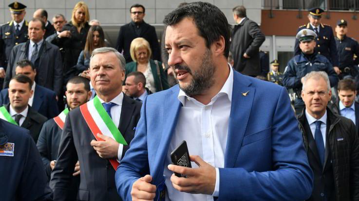 """Migranti, Salvini: """"Io indagato a Siracusa, ma porti sono e resteranno chiusi"""""""