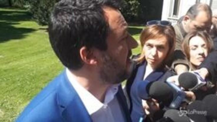 """Salvini: """"Sui migranti si rischia crisi di governo? Io non cambio idea"""""""