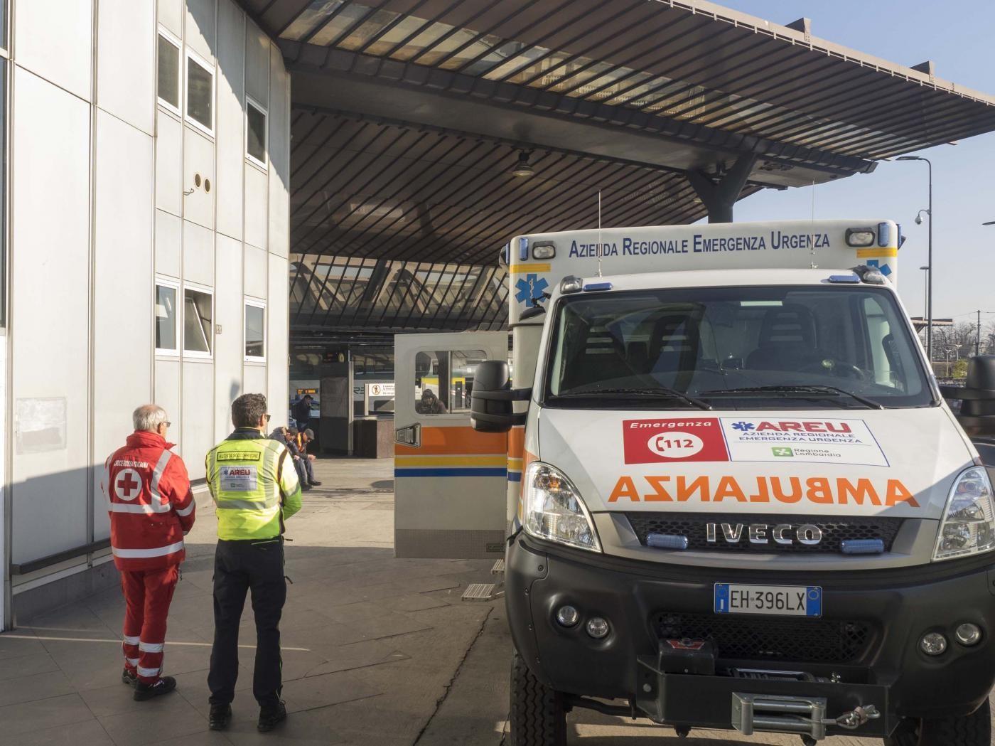 Arezzo, meningite B fulminante: muore una 21enne, avviata la profilassi