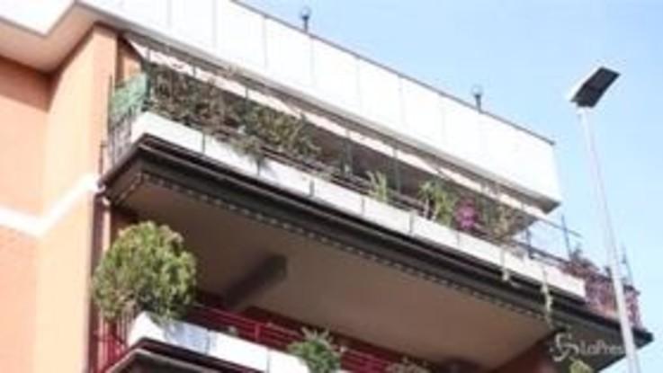 Roma, bimbo precipita dal quinto piano: è gravissimo