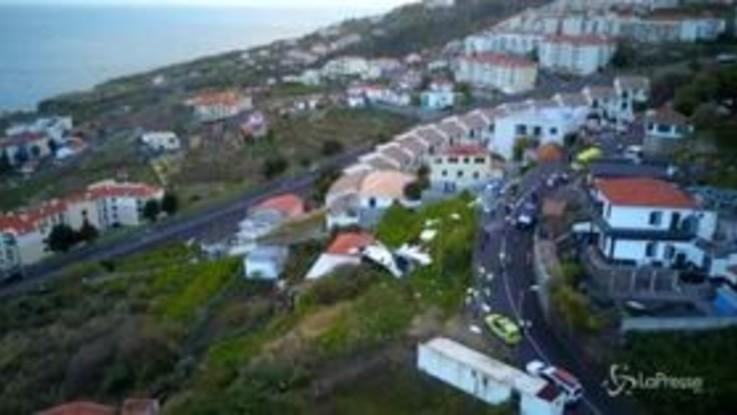 Portogallo, si ribalta bus di turisti: 28 morti