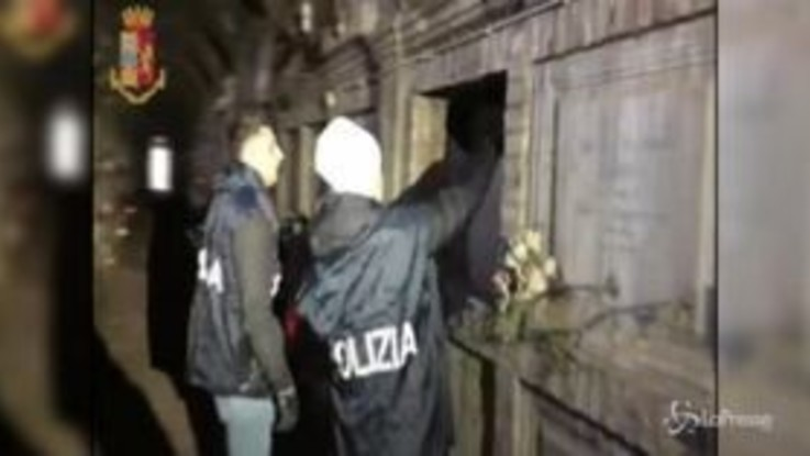 Roma, cocaina nascosta nei loculi del Cimitero del Verano