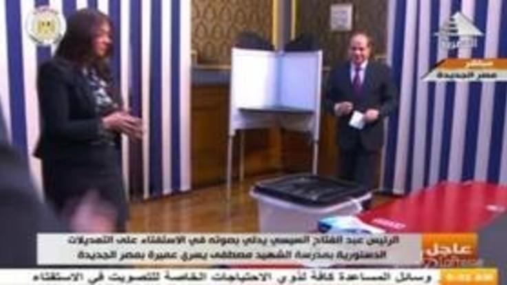 Referendum in Egitto, al-Sisi alle urne