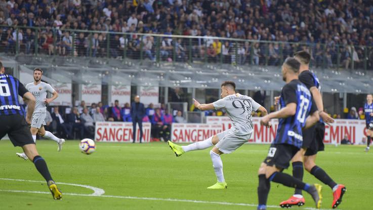 Inter-Roma, un tempo per uno. El Shaarawy e Perisic costruiscono l'1-1