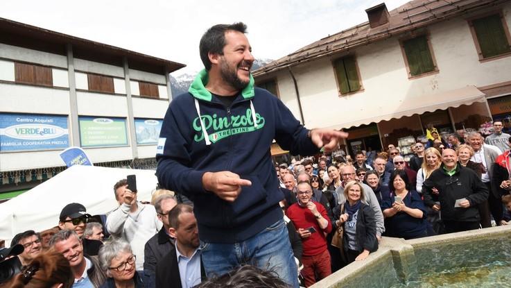 """Leva obbligatoria, Salvini: """"La reintrodurrei"""". Difesa: """"Pensiamo al futuro, non al passato"""""""
