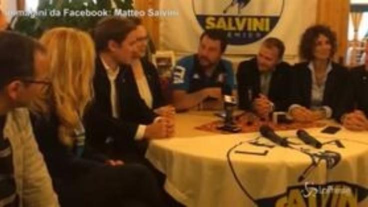 """Salvini: """"Crisi governo nella testa dei giornali, non vado in Cdm con elmetto"""""""