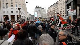 """""""Fuori i sionisti dal corteo"""": contestazioni alla Brigata ebraica a Milano"""