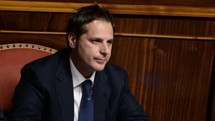 """Caso Siri, Di Maio insiste: """"A casa, no al 'paraculismo'"""". Salvini: """"Resta dov'è"""""""