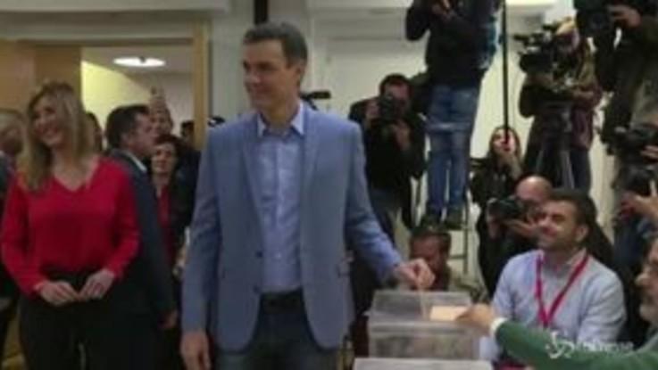 Elezioni in Spagna, Pedro Sanchez al seggio