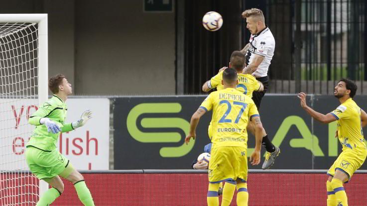 Serie A, Parma bello a metà: 1-1 con il Chievo e salvezza rimandata