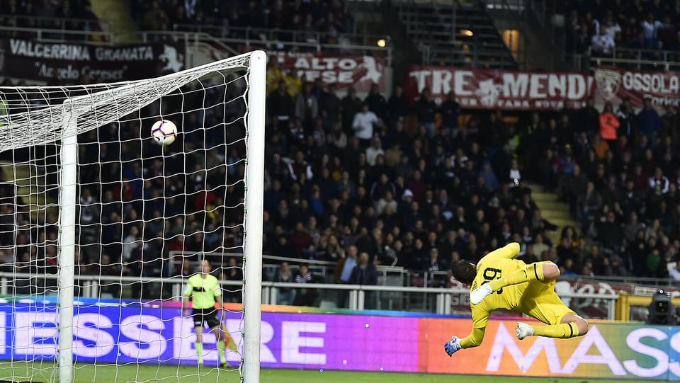 Entra in porta il tirro di Berenguer per il 2-0 del Torino ©