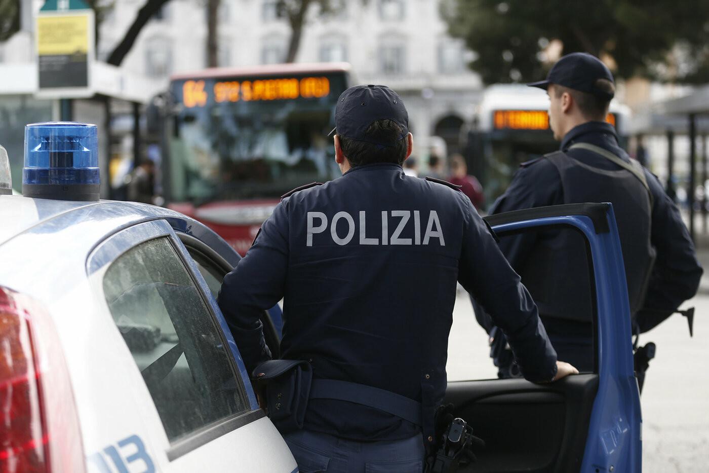 Ragusa, poliziotto uccide la moglie e si suicida. In casa c'erano le due figlie della coppia
