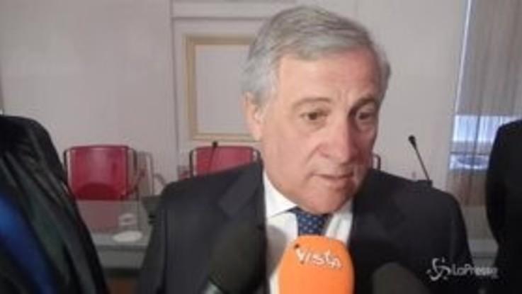 """Roma, Tajani: """"Raggi deve andare a casa, governo non blocchi il Paese per un sottosegretario"""""""