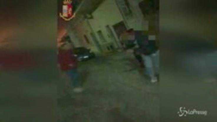 Umiliazioni e pestaggi: il video della baby gang di Manduria