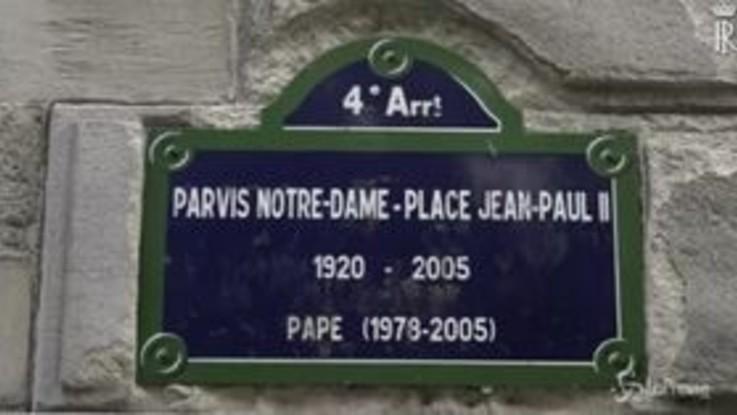 Mattarella a Parigi: incontro con Macron e visita a Notre Dame