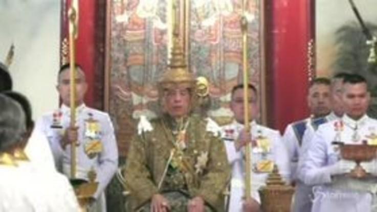 Thailandia, l'incoronazione del nuovo re