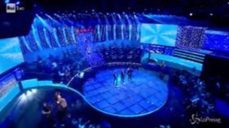 """La Corrida: vince il trio """"Il decollo"""" con la parodia de """"Il mondo"""" di Jimmy Fontana"""