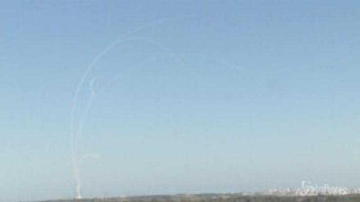 Israele, Iron Dome intercetta i razzi palestinesi