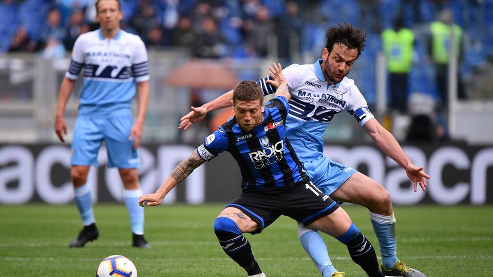 Parolo (Lazio) e Gomez (Atalanta) ©