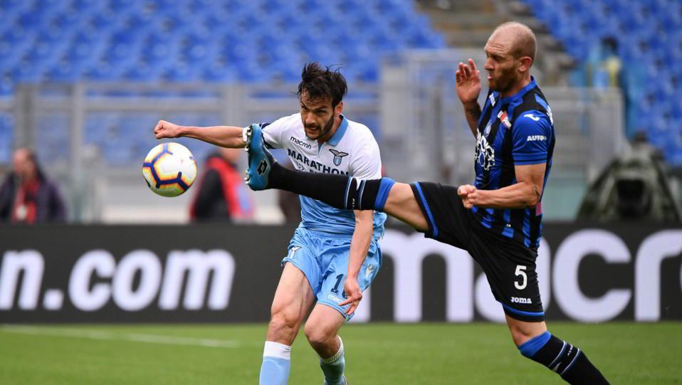 Parolo (Lazio) e Masiello (Atalanta) ©