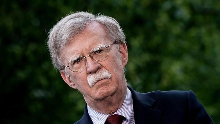 """Iran, gli Usa inviano portaerei: """"Non cerchiamo guerra, ma risponderemo agli attacchi"""""""