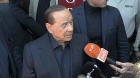 """Europee, Berlusconi: """"Il Ppe lasci la sinistra e si allei con Orban e Salvini"""""""