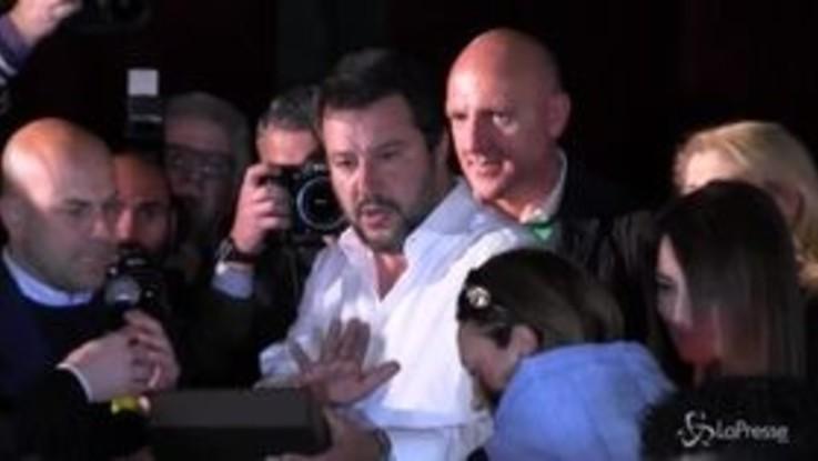 Salvini ad Aversa, tra standing ovation e contestazioni