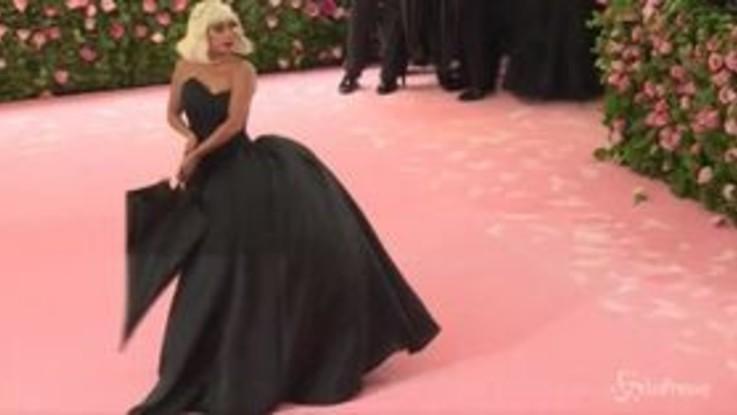 Dalle sorelle Kardashian a Gisele Bündchen, al Met Gala sfilano le più belle
