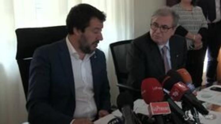 """Napoli, Salvini: """"In città 12mila condannati in via definitiva a spasso"""""""