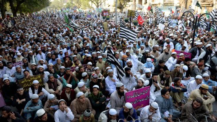 Pakistan, Asia Bibi arrivata in Canada: era stata in carcere 8 anni per blasfemia