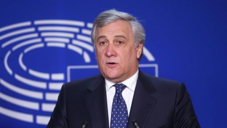"""PoliticaPresse, Tajani: """"Maxi inchiesta tangenti capita sempre sotto le elezioni, sarà un caso?"""""""