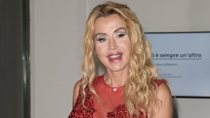 """Valeria Marini e il nuovo amore: """"È una persona speciale"""""""