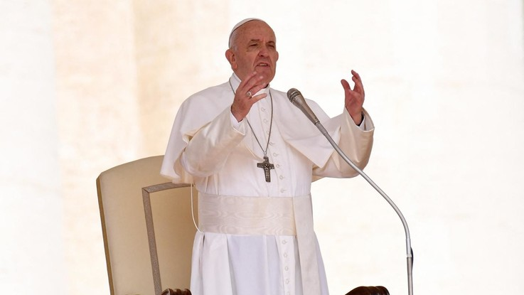 """Pedofilia, continua la lotta del Papa: """"In Chiesa arrivano sportelli e obbligo di denuncia"""""""