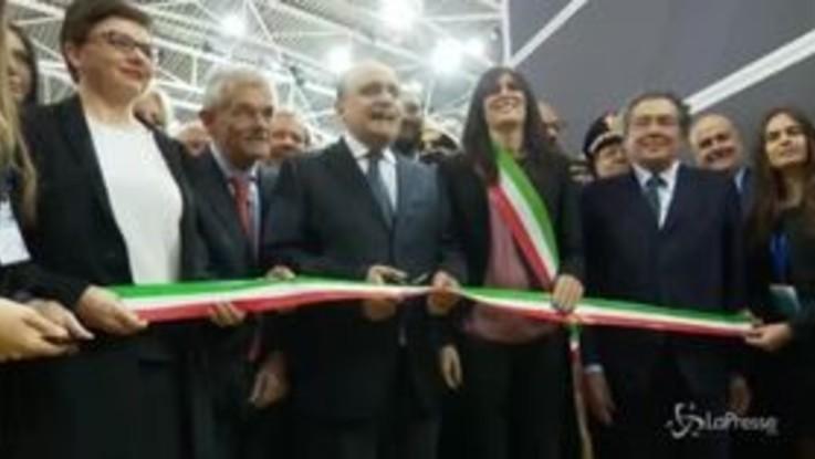 Torino, Bonisoli inaugura il Salone del Libro