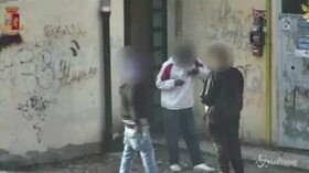 Blitz antidroga ad Arezzo, 40 arresti: gli spacciatori in azione