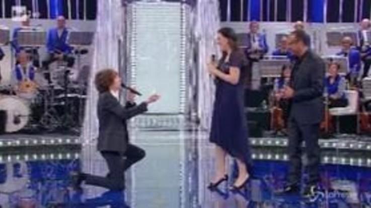 """""""La Corrida"""", richiesta di matrimonio in diretta dopo l'esibizione in tv"""