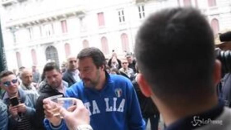 """Milano, Salvini dagli alpini: """"Reintrodurre servizio civile o militare"""""""