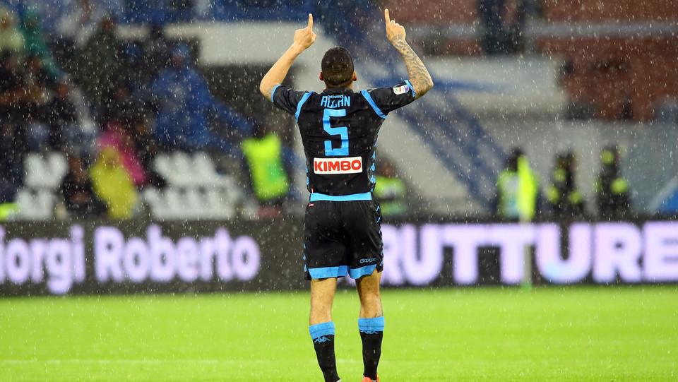 Allan festeggia il gol dello 0-1 ©