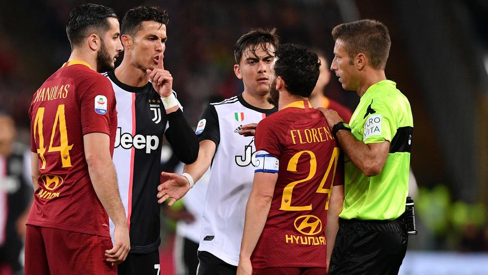 Ronaldo e Florenzi hanno qualcosa da dirsi ©