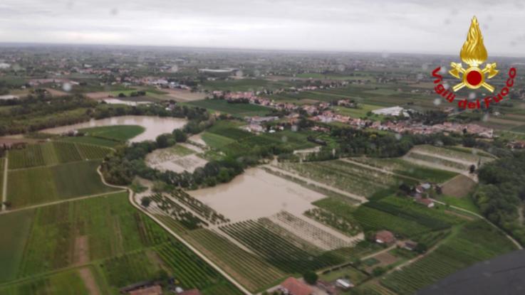 Maltempo, esonda il fiume Savio: sospesa la linea ferroviaria Bologna-Rimini
